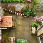 Comment égayer une terrasse très terne?