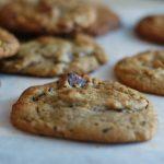 {Cuisine} Cookies au beurre de cacahuète et pépites de chocolat (une bombe !)