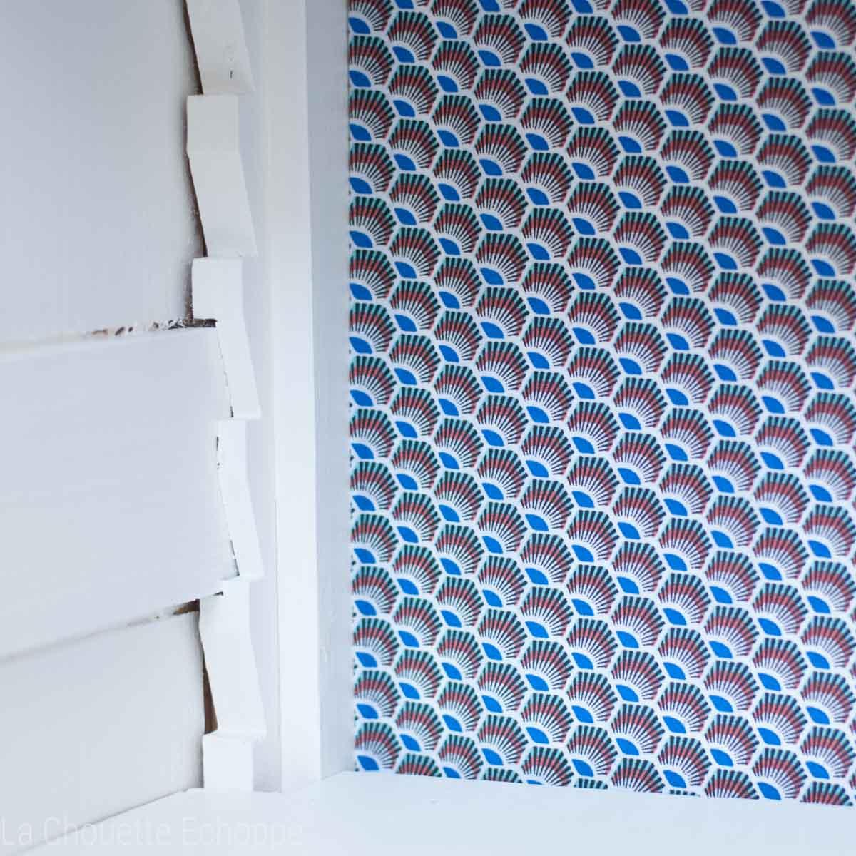 découpe tissu fond de meuble