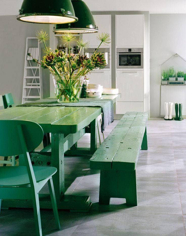 salle-a-manger-epuree-bois-massif-vert