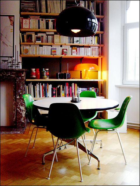salle-a-manger-vintage-seventies-vert