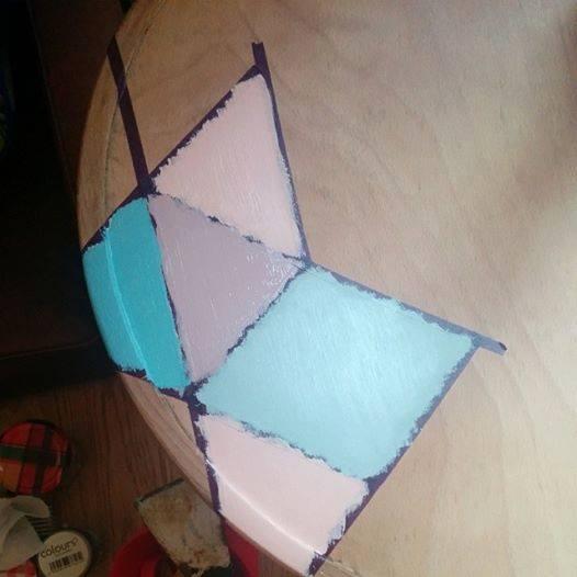 chaise bistrot : peinture des motifs