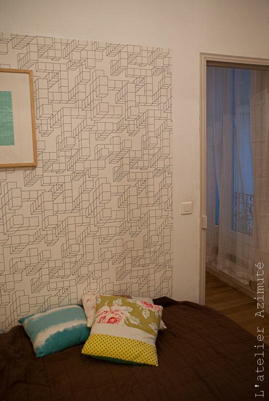 Papier peint architectural noir blanc chambre - côté porte