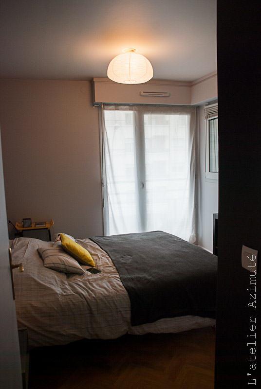 L-atelier-azimute-relooking-chambre-moderne-gris-jaune-11