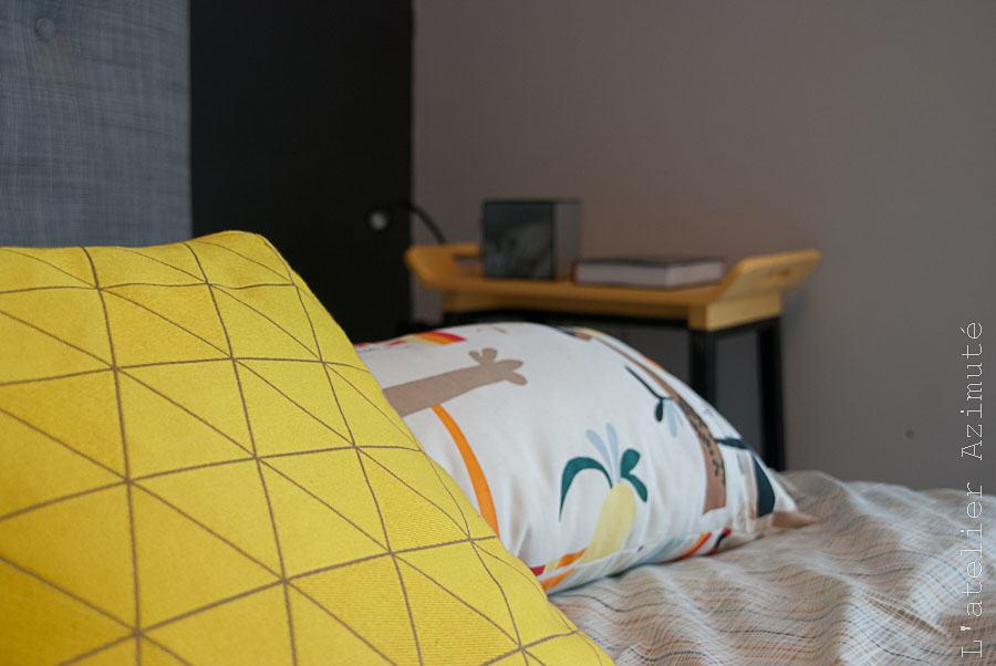 L-atelier-azimute-relooking-chambre-moderne-gris-jaune-15