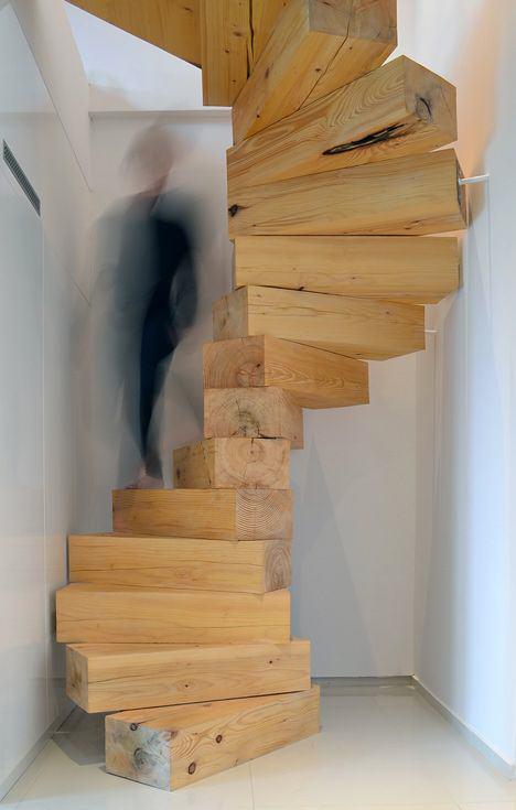 escalier-bois-brut-simple