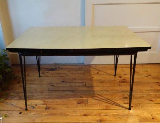 table-formica-eiffel